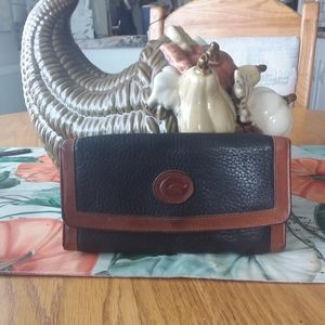 Vintage Dooney & Bourke Leather Wallet